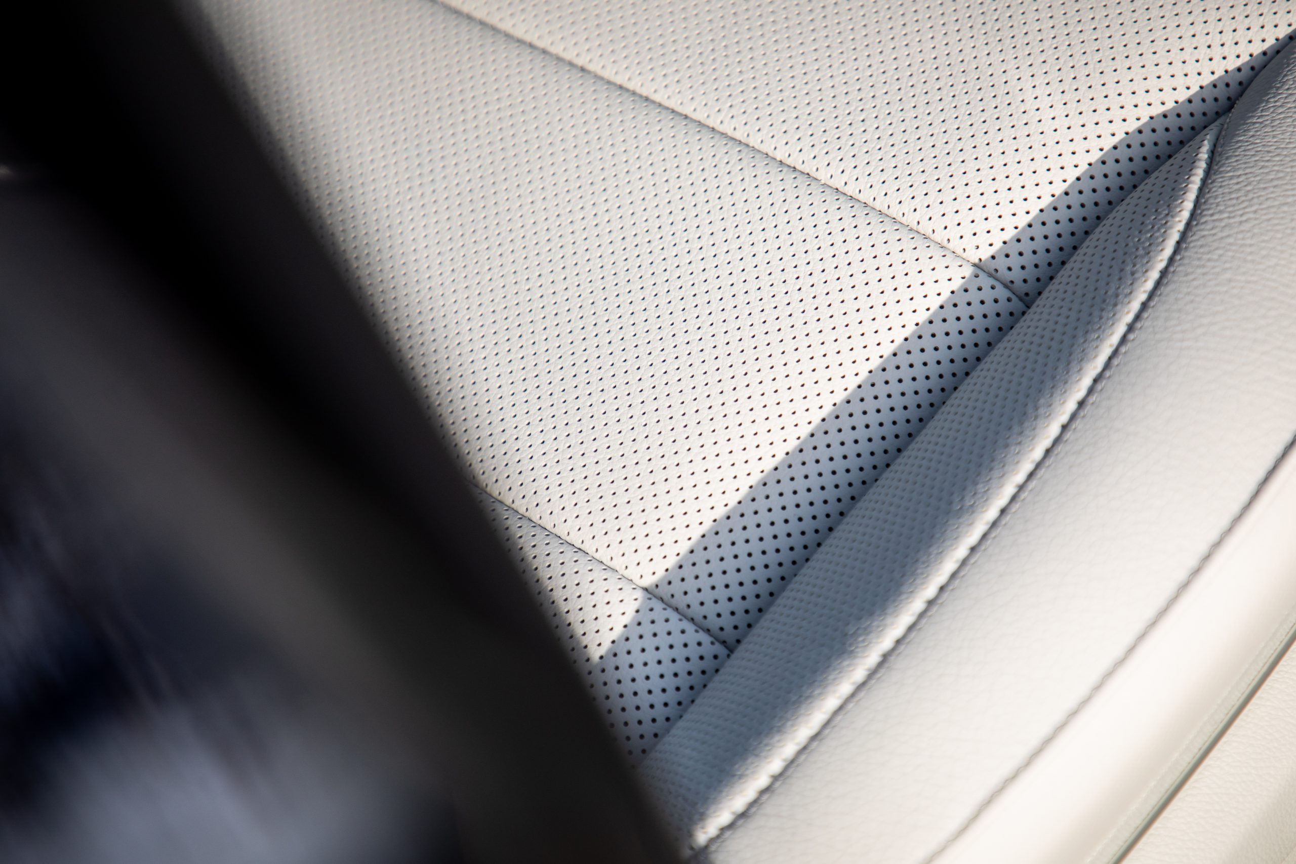 2021 Mercedes Benz E 450 4MATIC leather detail