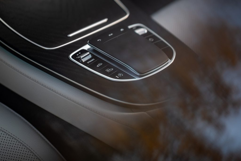 2021 Mercedes Benz E 450 4MATIC touch pad