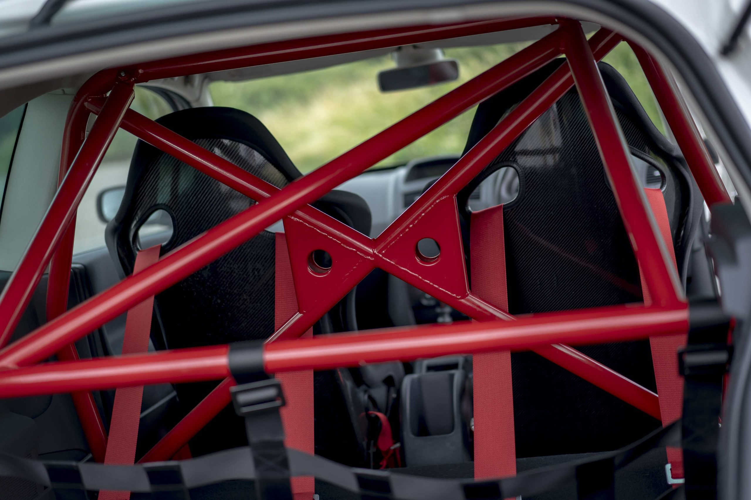 Renault Megane R26R rear roll cage detail