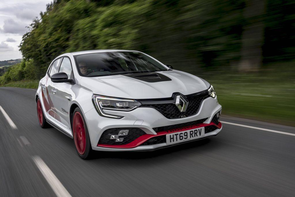 Renault Megane trophy r front three-quarter dynamic road action
