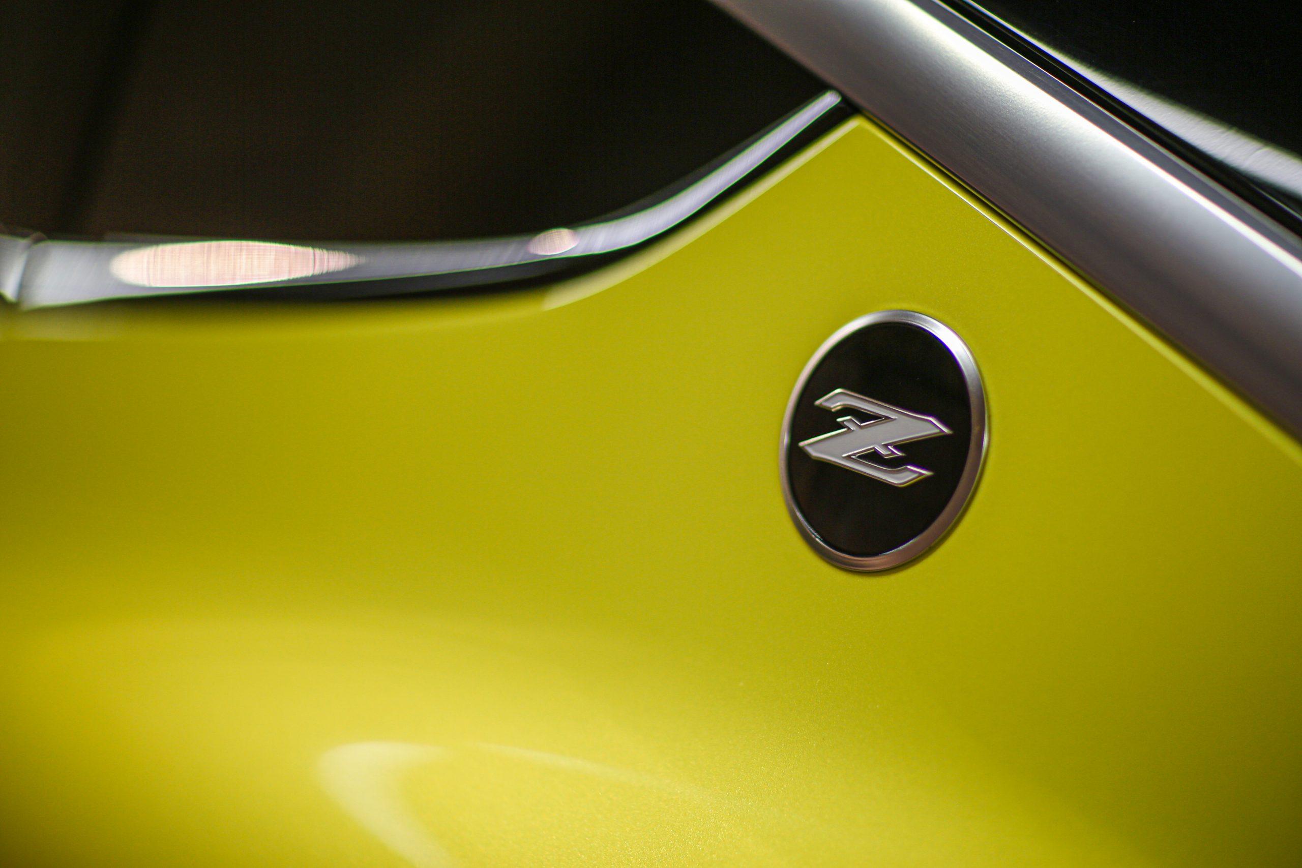 Nissan Z Proto c pillar emblem