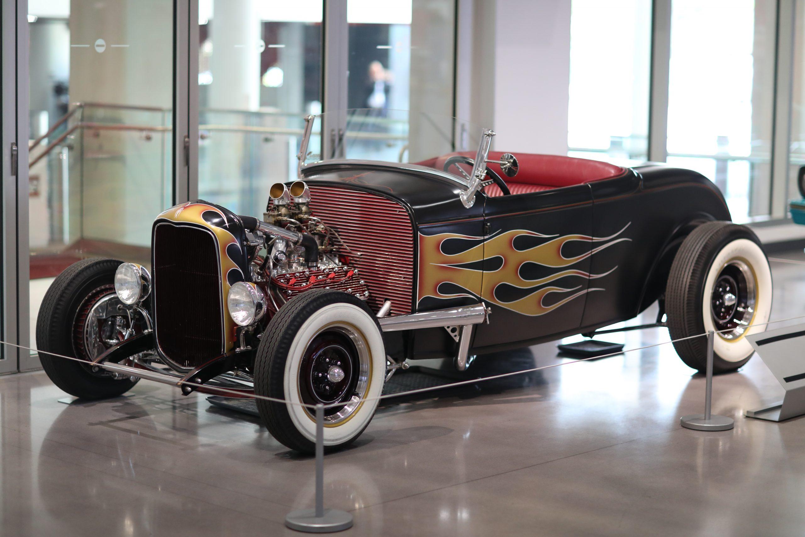 1932 Ford Lowboy Petersen