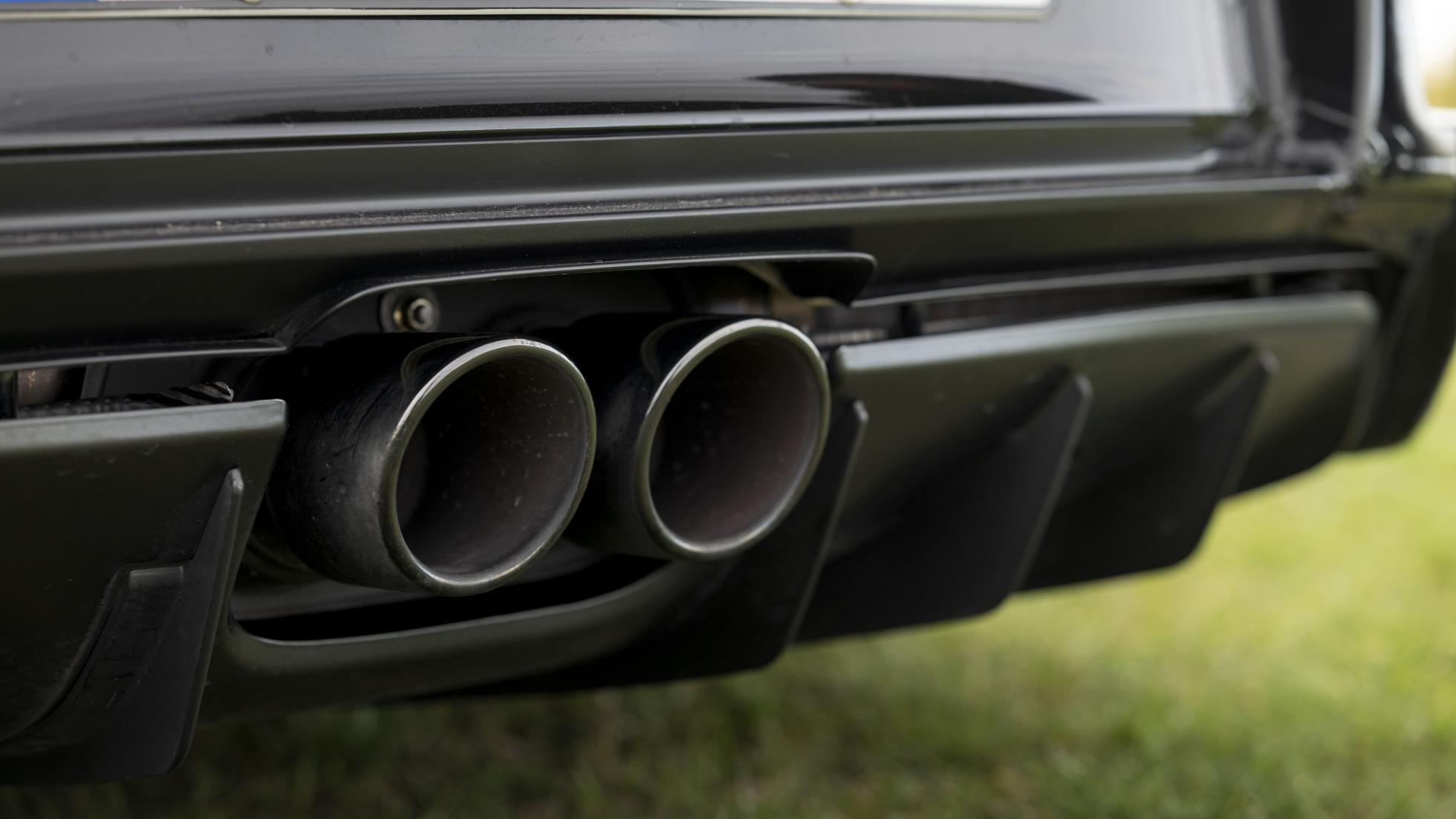 Porsche-911-GT3-RS-exhaust