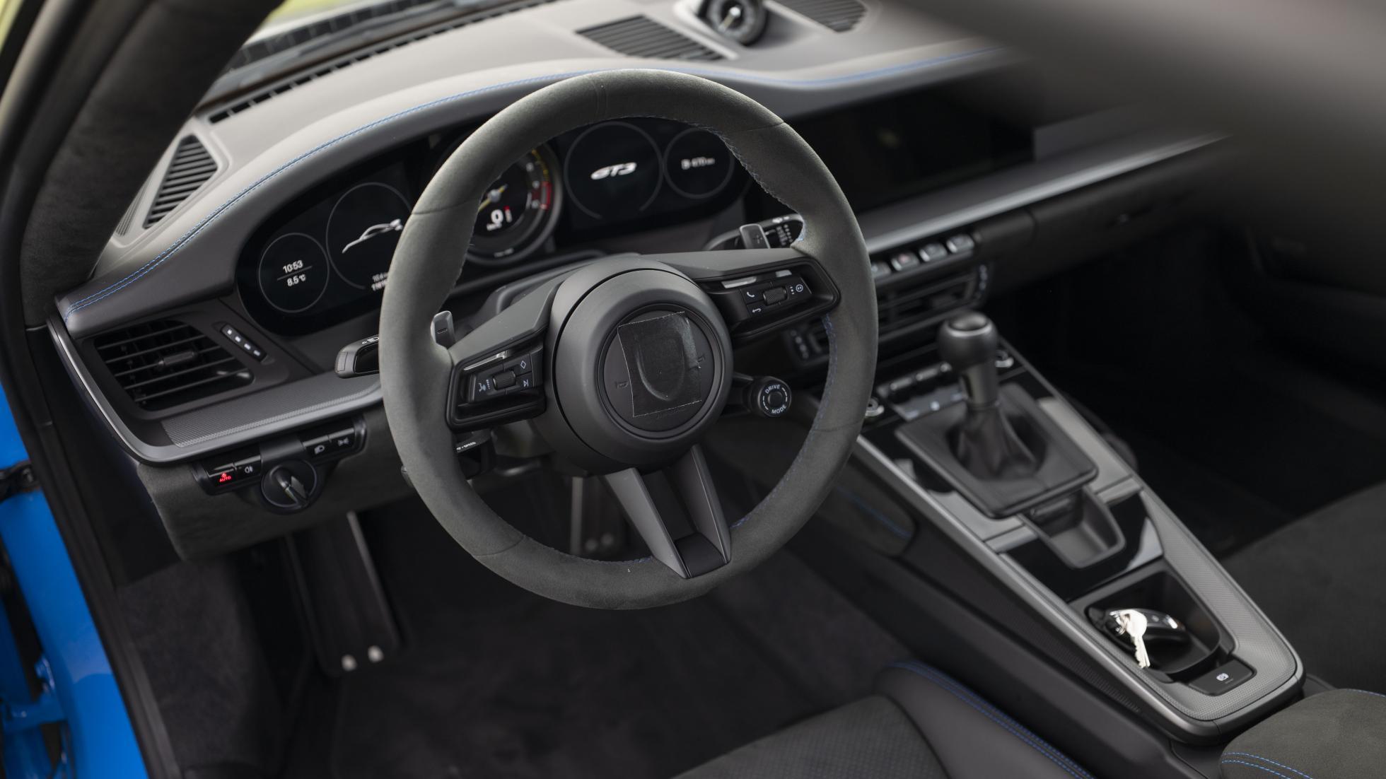 Porsche-911-GT3-RS-interior