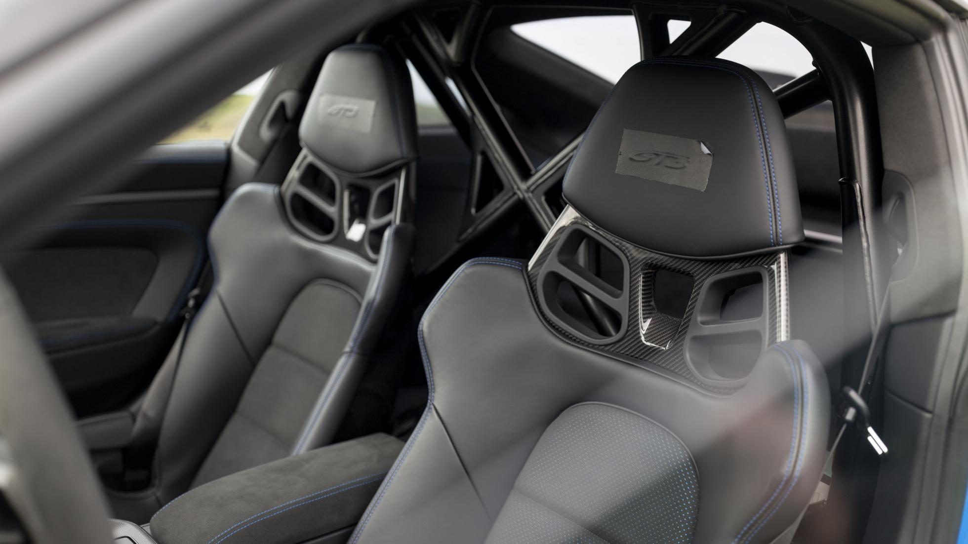 Porsche-911-GT3-RS-seats