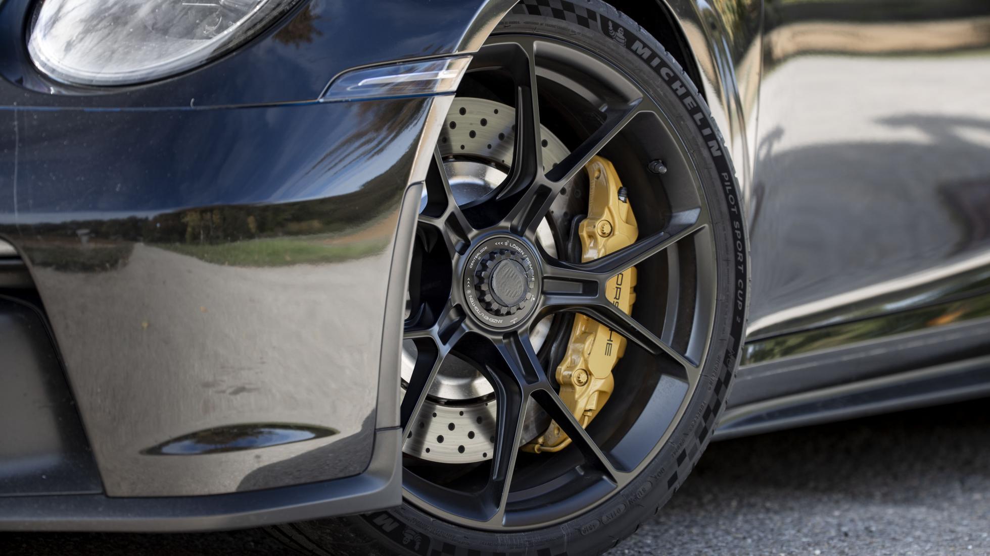 Porsche-911-GT3-RS-wheel