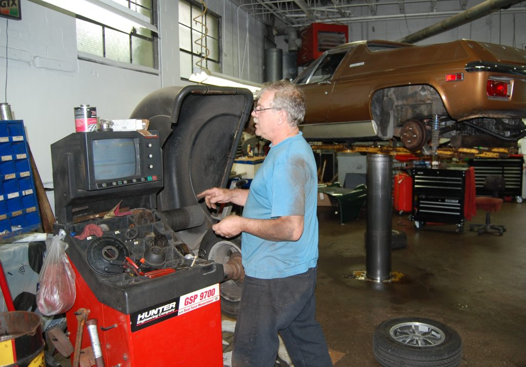 Rob Siegel - The wheel and tire balancing nightmare - road-force balancing