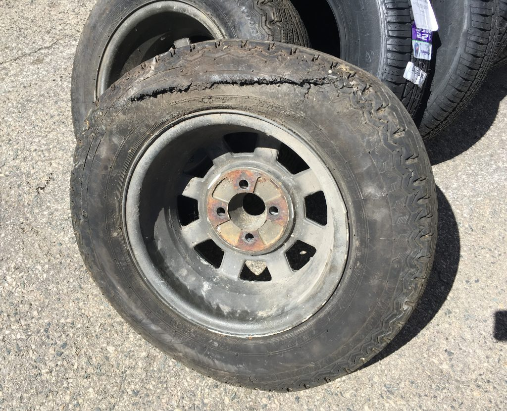 Rob Siegel - The wheel and tire balancing nightmare - Rotted tire