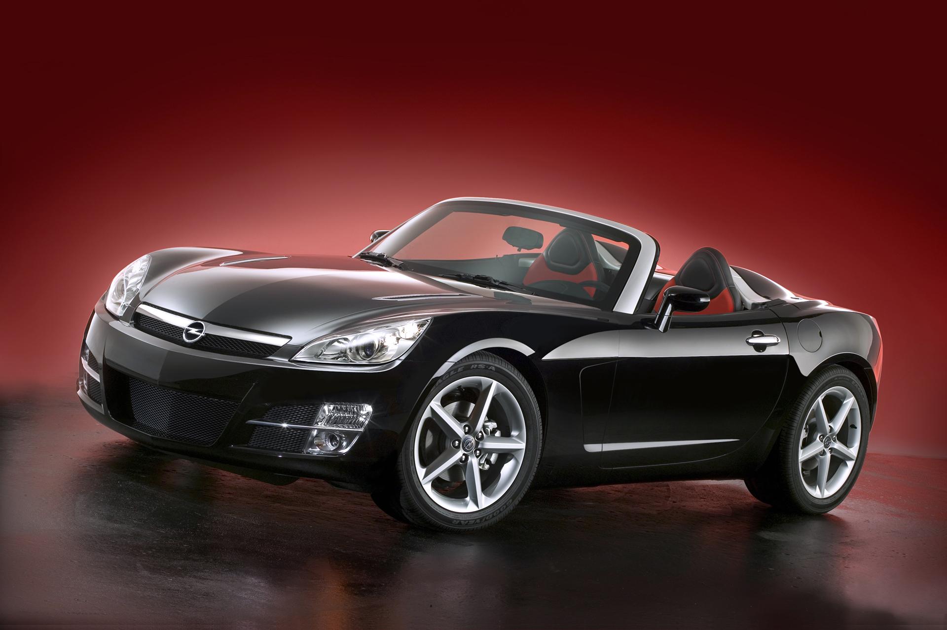Opel GT front three-quarter