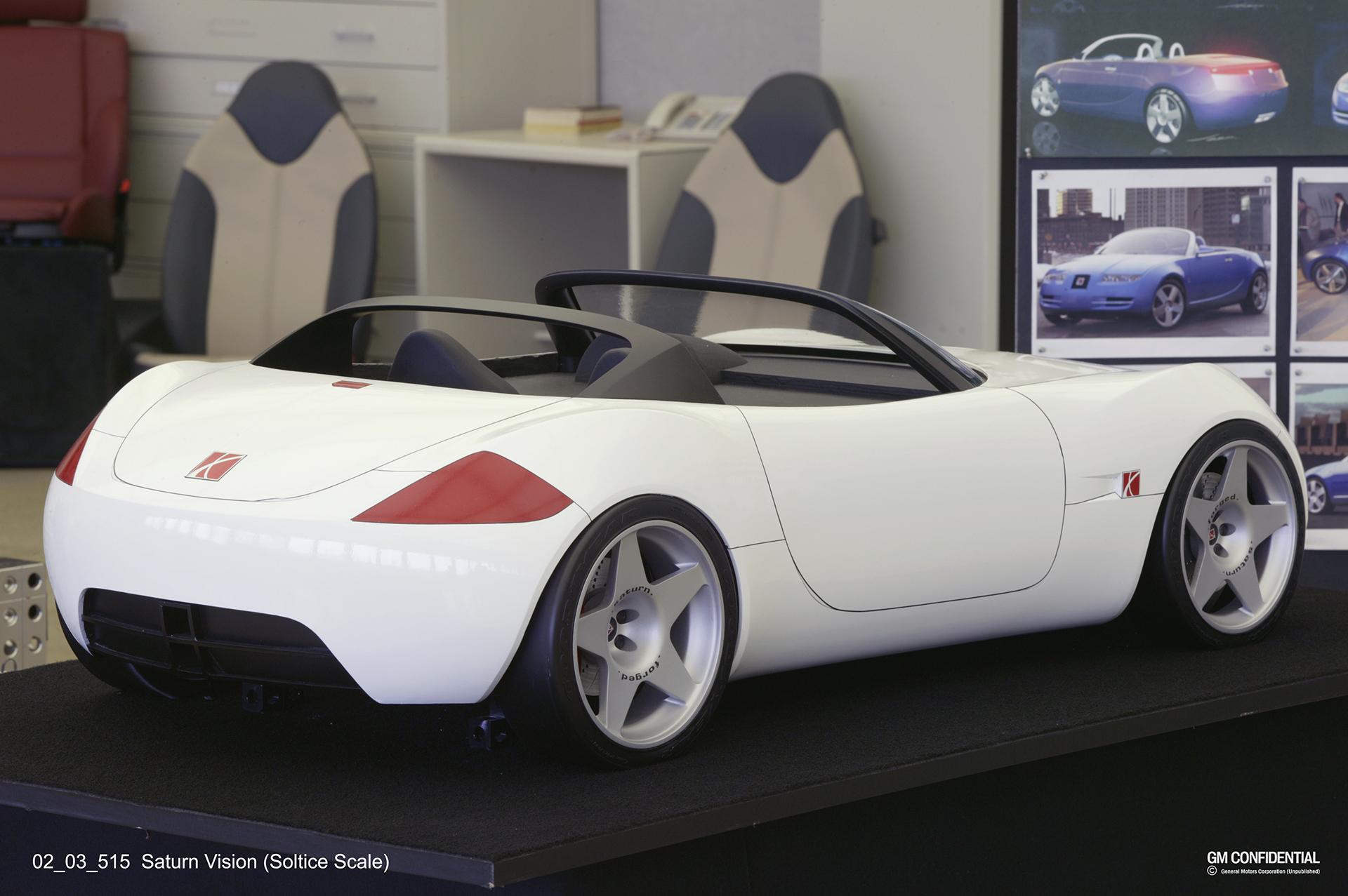Saturn vision concept front three-quarter rear three-quarter