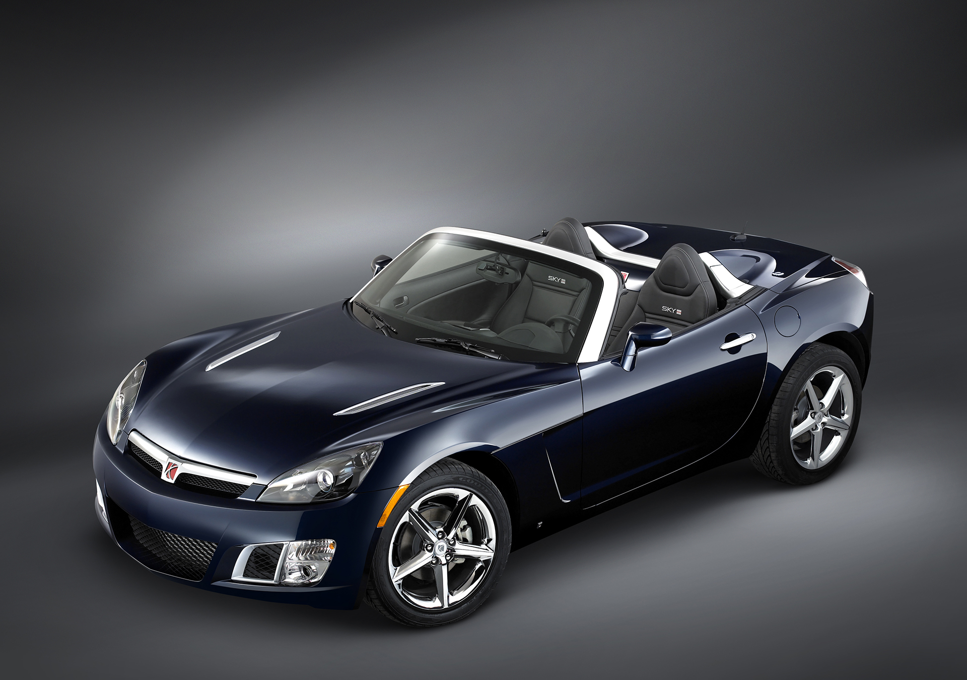 2007 Saturn Sky Red Line front three-quarter