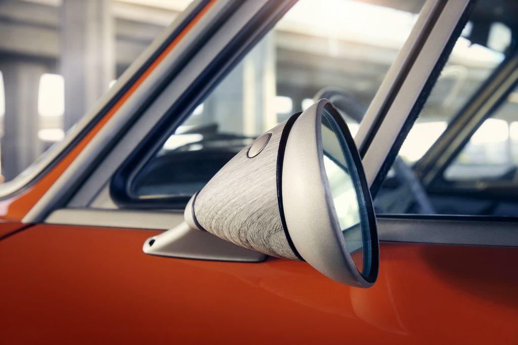 Speedkore 1972 BMW 3-0 CSi side mirror detail