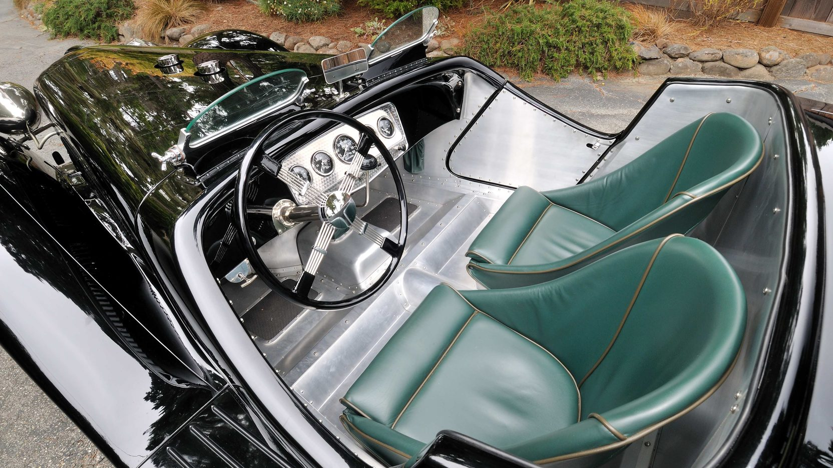 1933 Ford Auburn Special interior