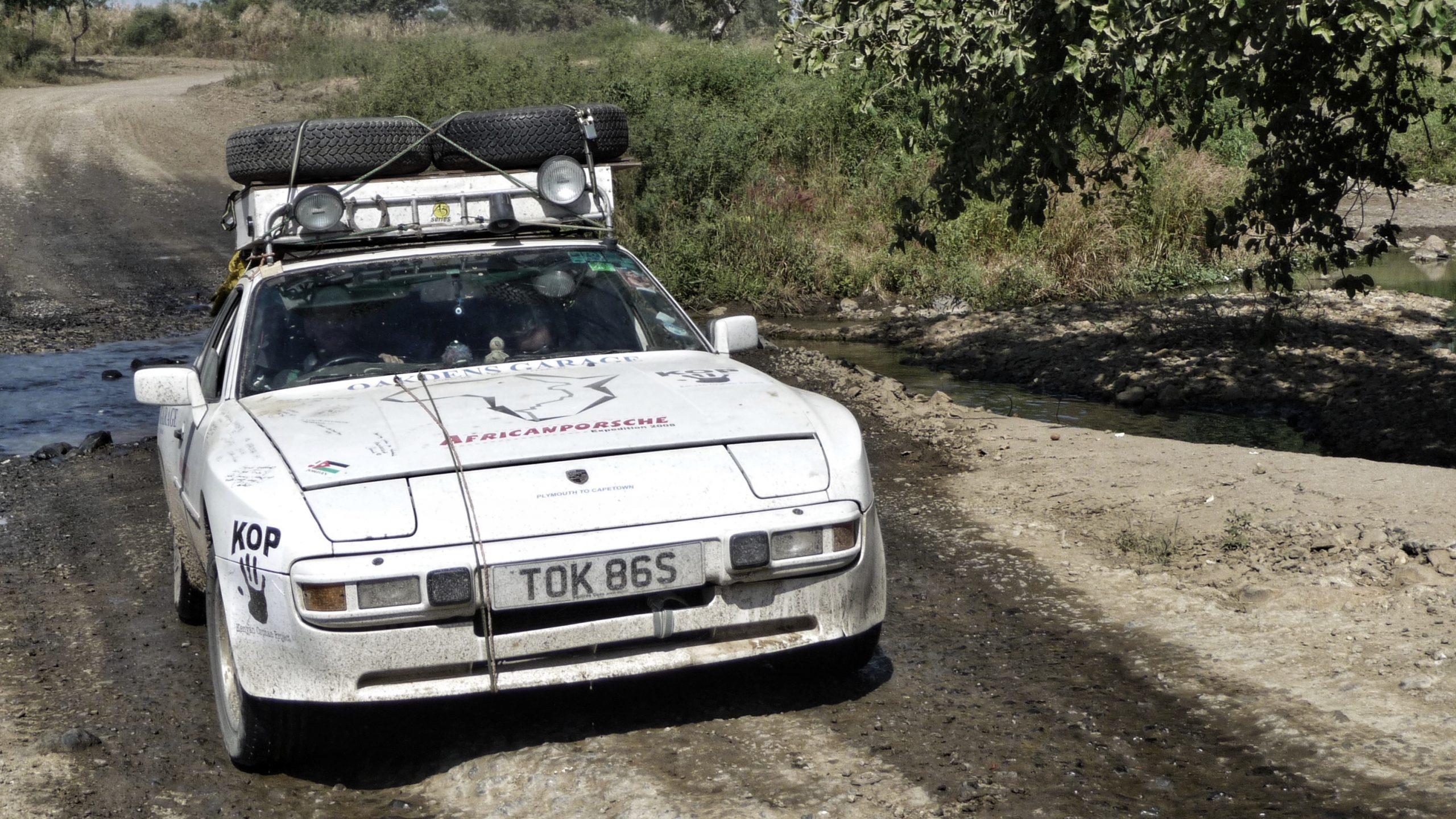 Africa Porsche 944 through a puddle
