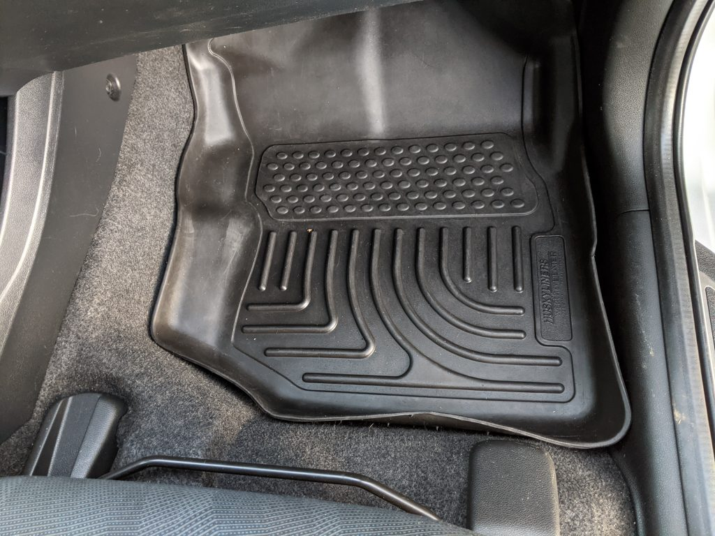 Cleaning car mats