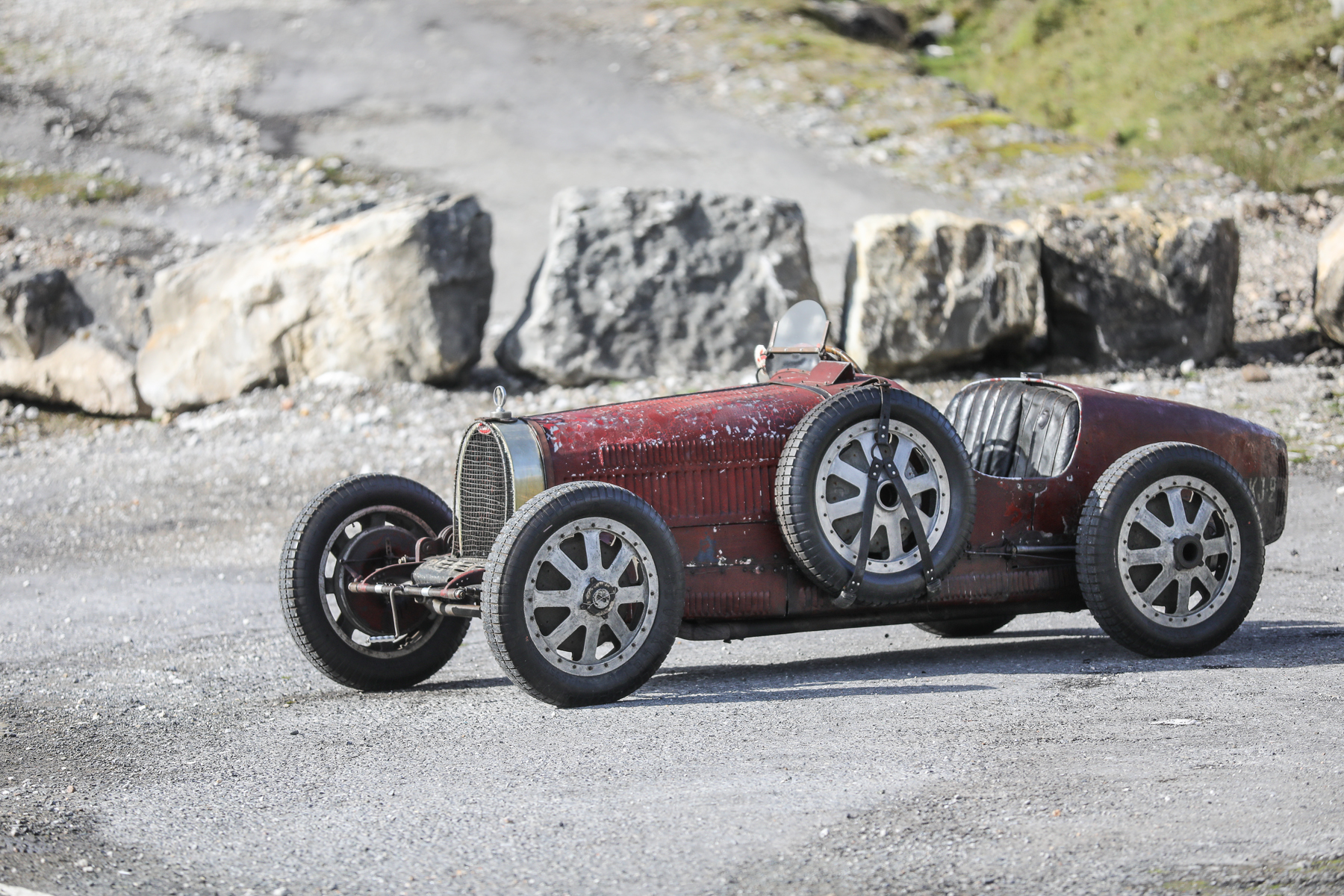 1928 Bugatti Type 35C Grand Prix front three-quarter