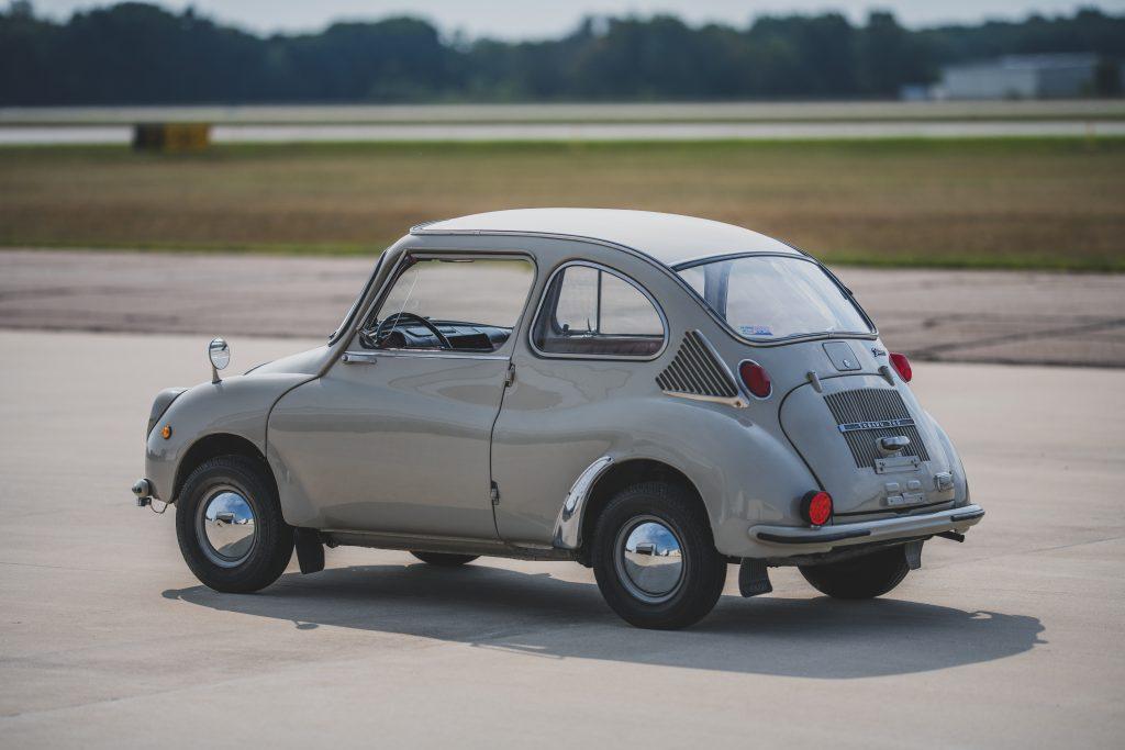 1969-Subaru-360-Deluxe-rear_threequarter