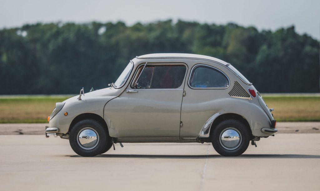 1969-Subaru-360-Deluxe-side