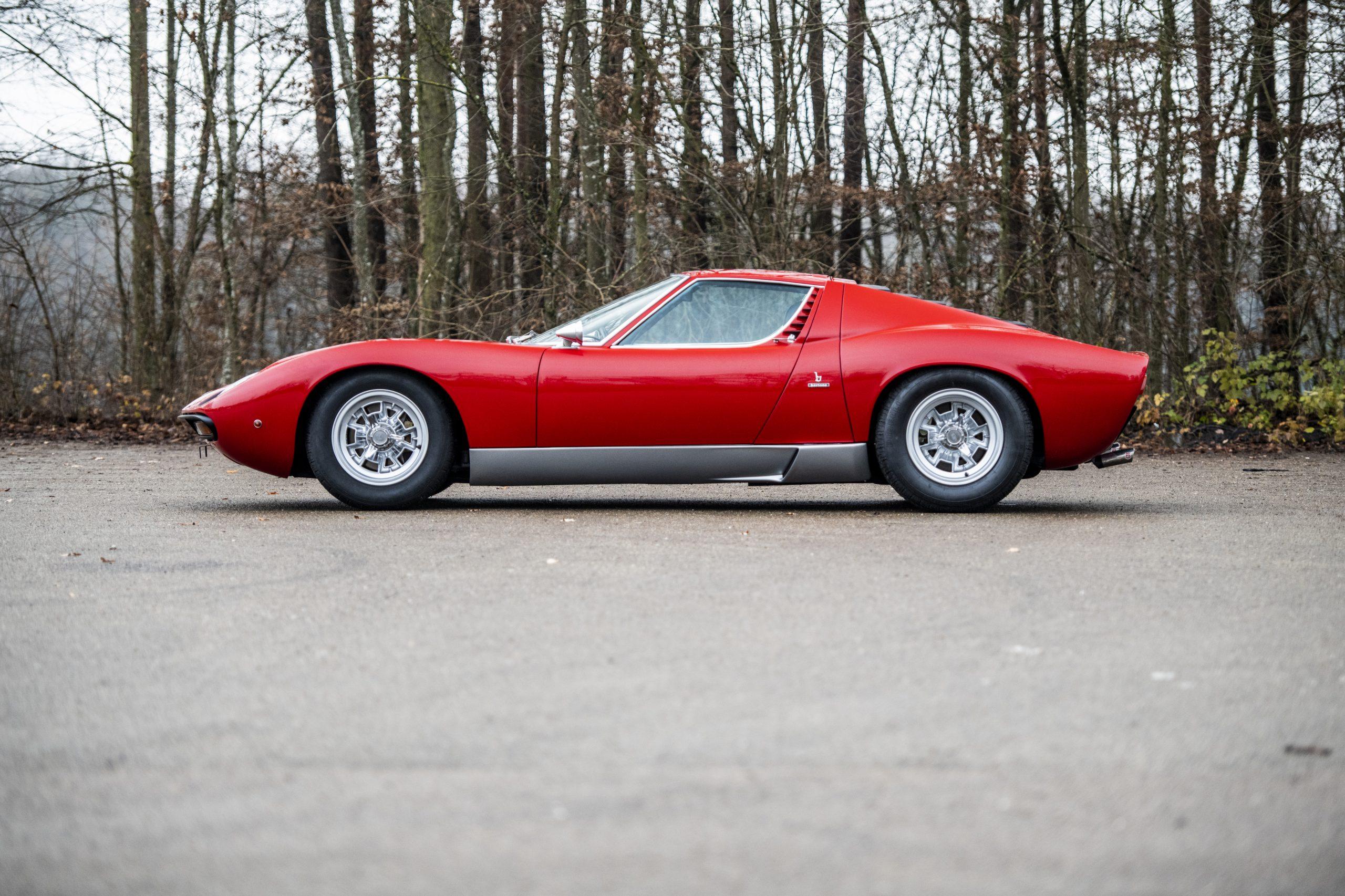 1971 Lamborghini Miura P400 SV by Bertone side profile