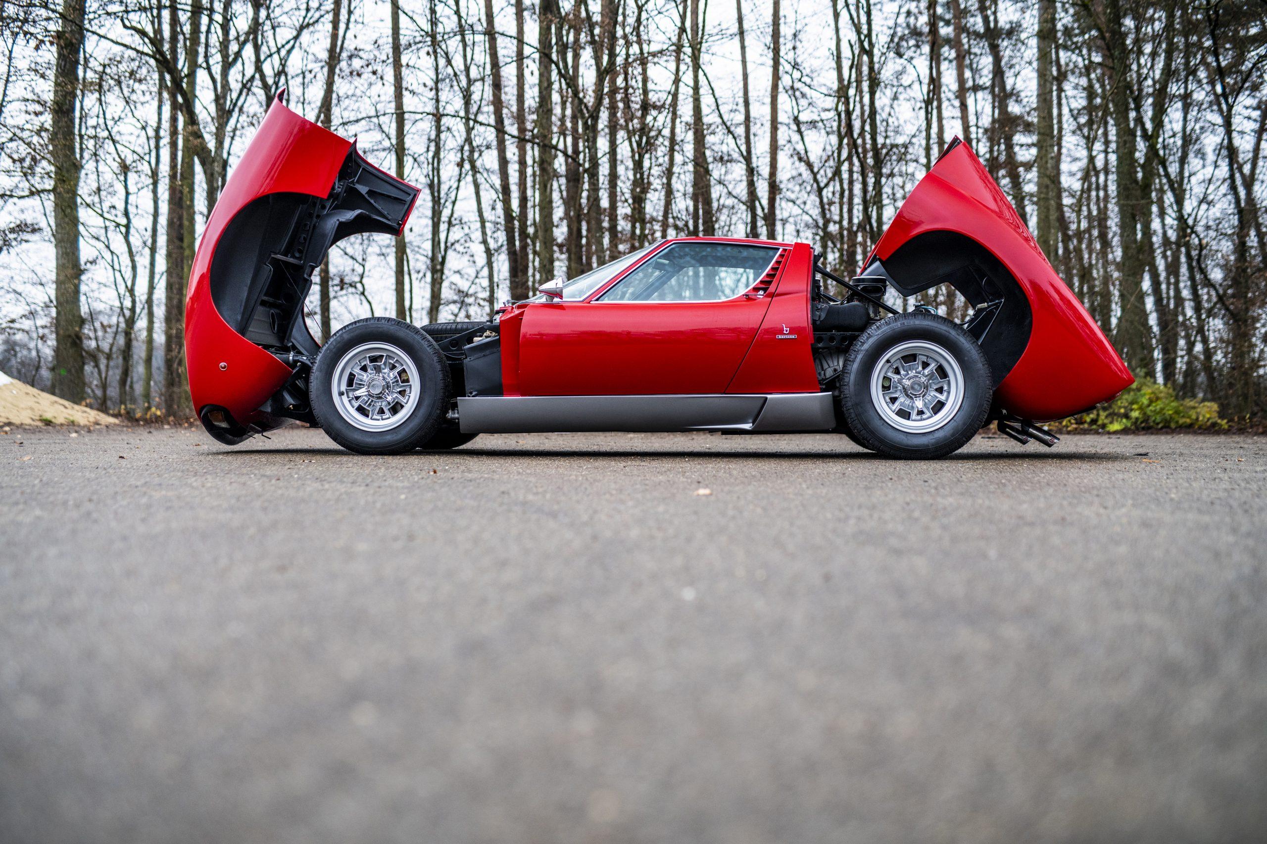 1971 Lamborghini Miura P400 SV by Bertone side profile opened