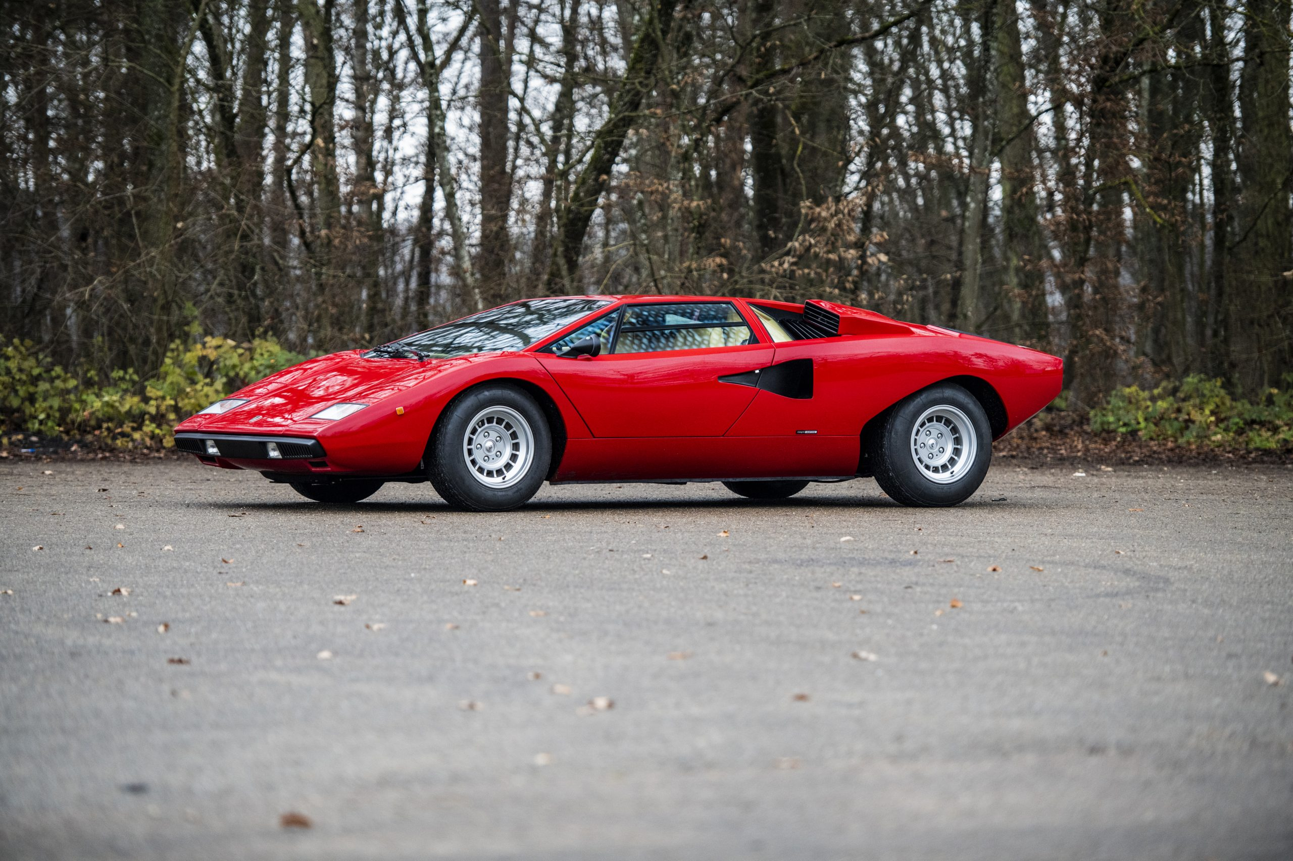 1977 Lamborghini Countach LP400 Periscopio front three-quarter