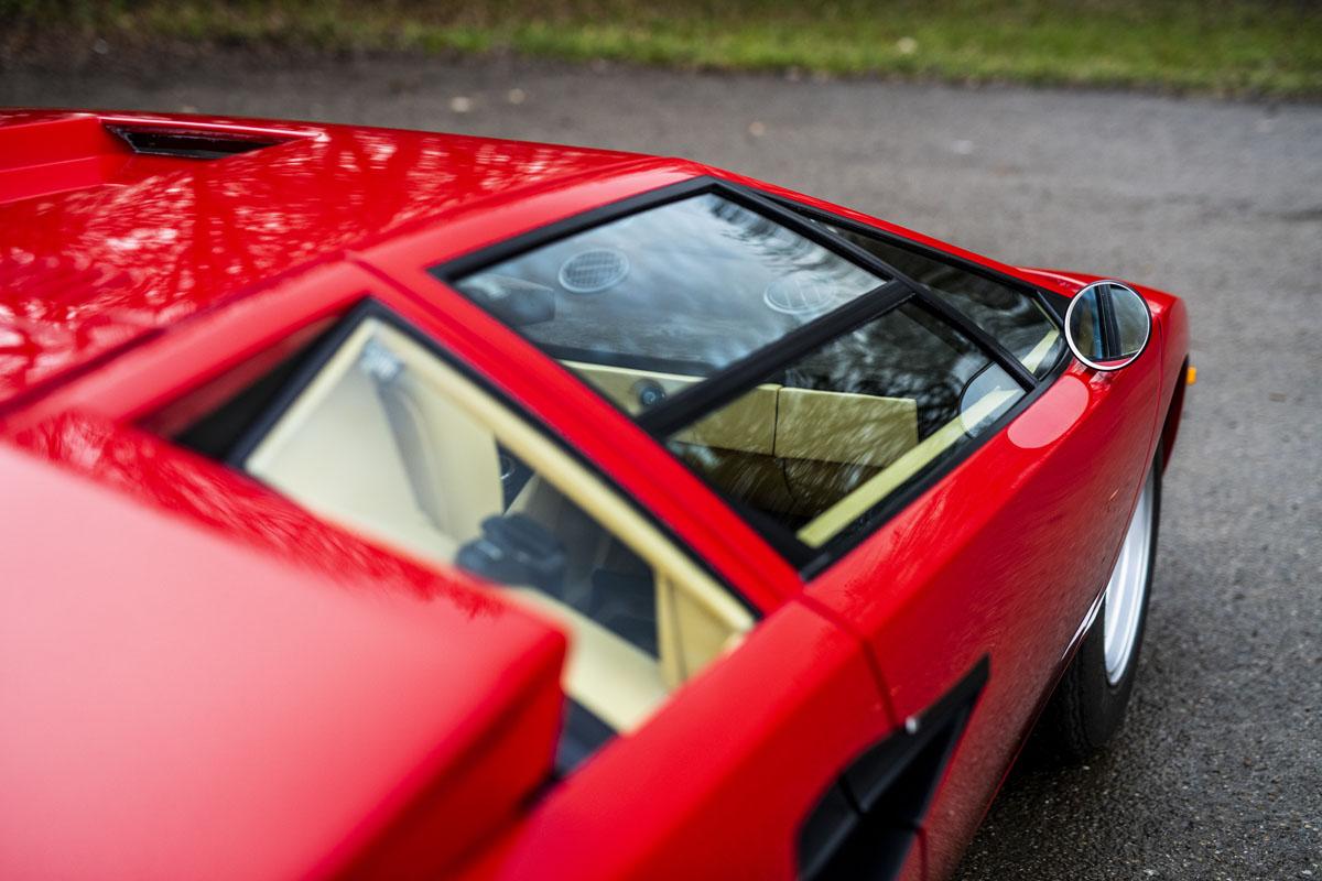 1977 Lamborghini Countach LP400 Periscopio side detail