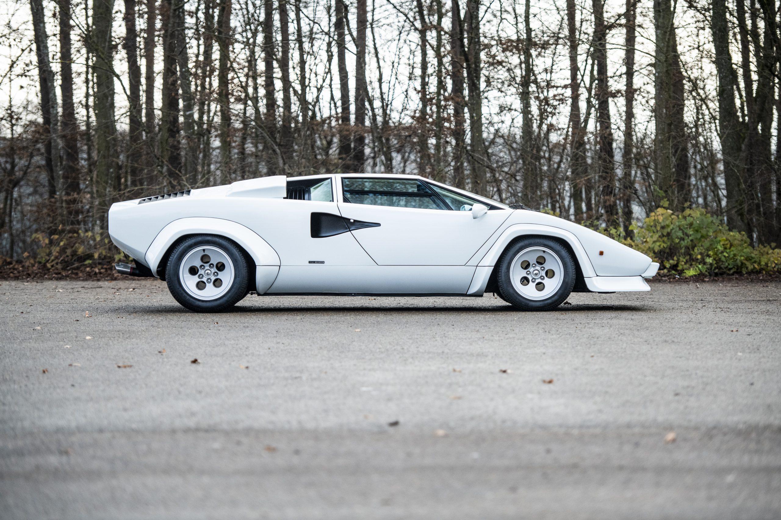 1984 Lamborghini Countach LP500 S by Bertone side profile