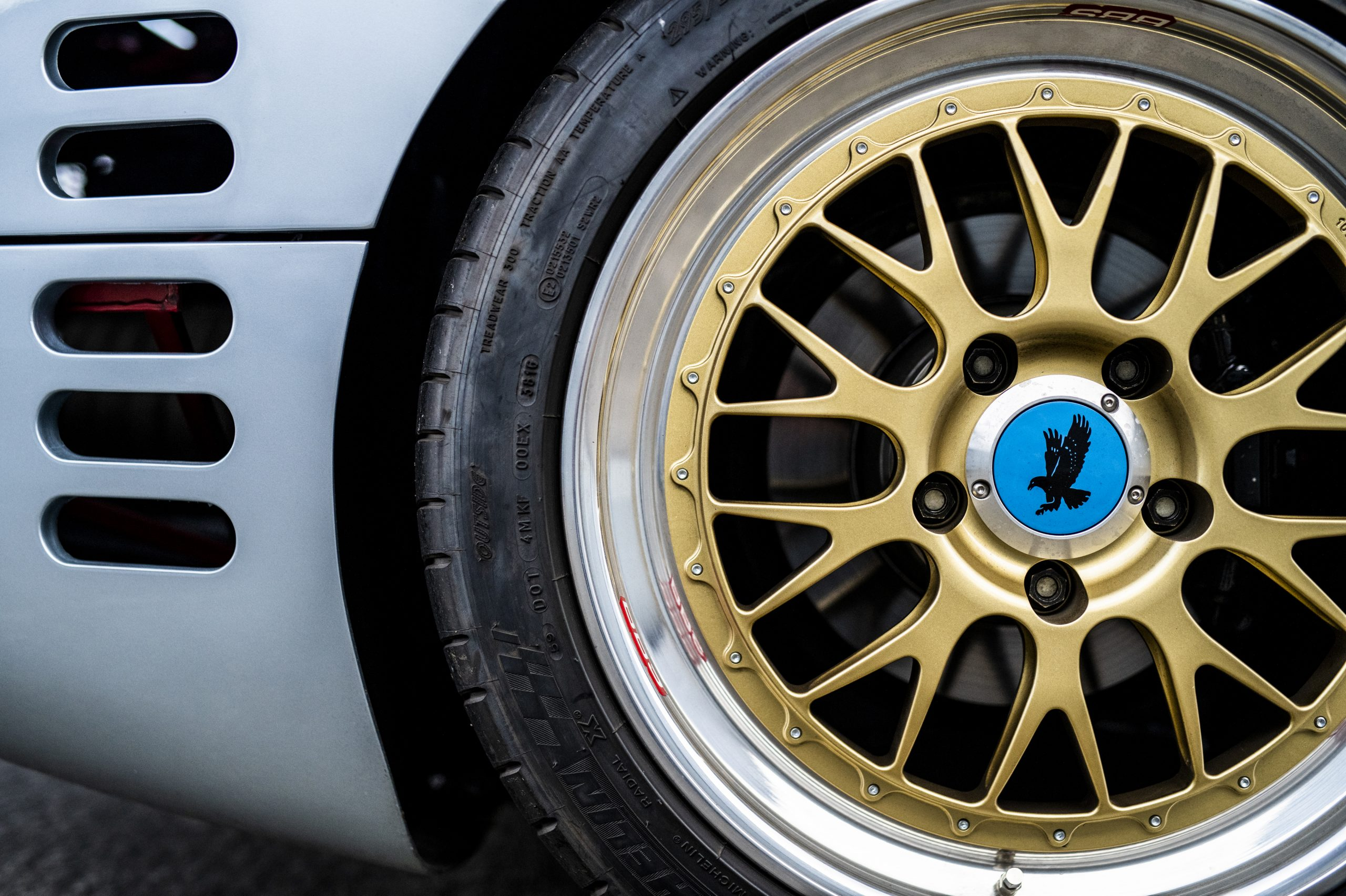1993 Isdera Commendatore 112i wheel tire close up detail