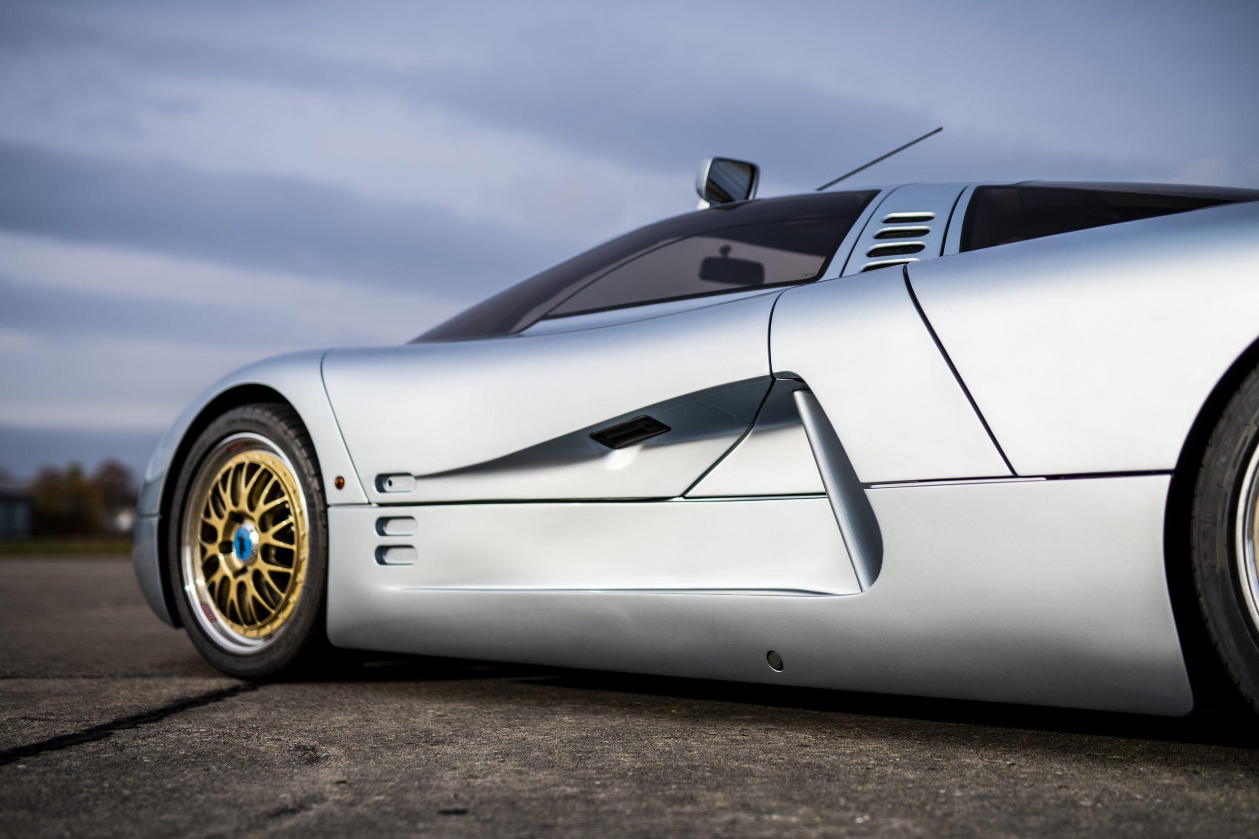 1993 Isdera Commendatore 112i aerodynamic side profile detail