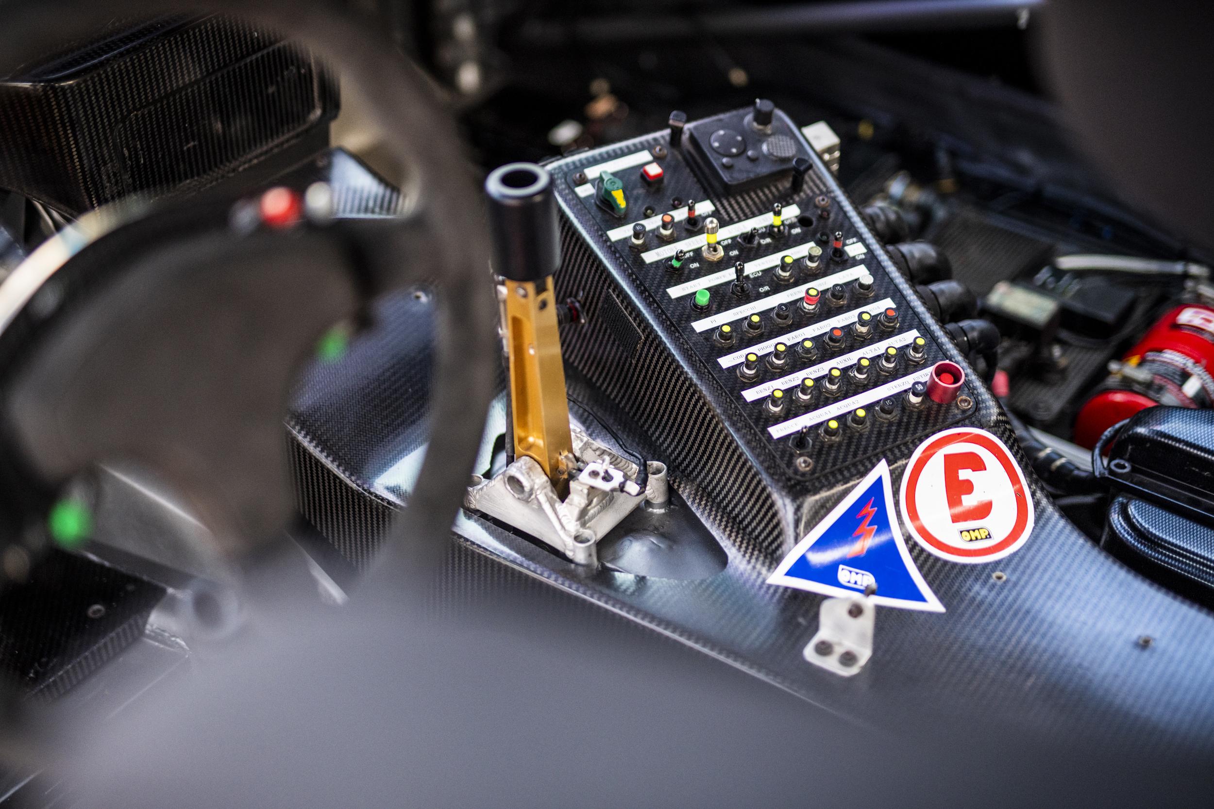 Ferrari 550 GT1 Prodrive interior controls