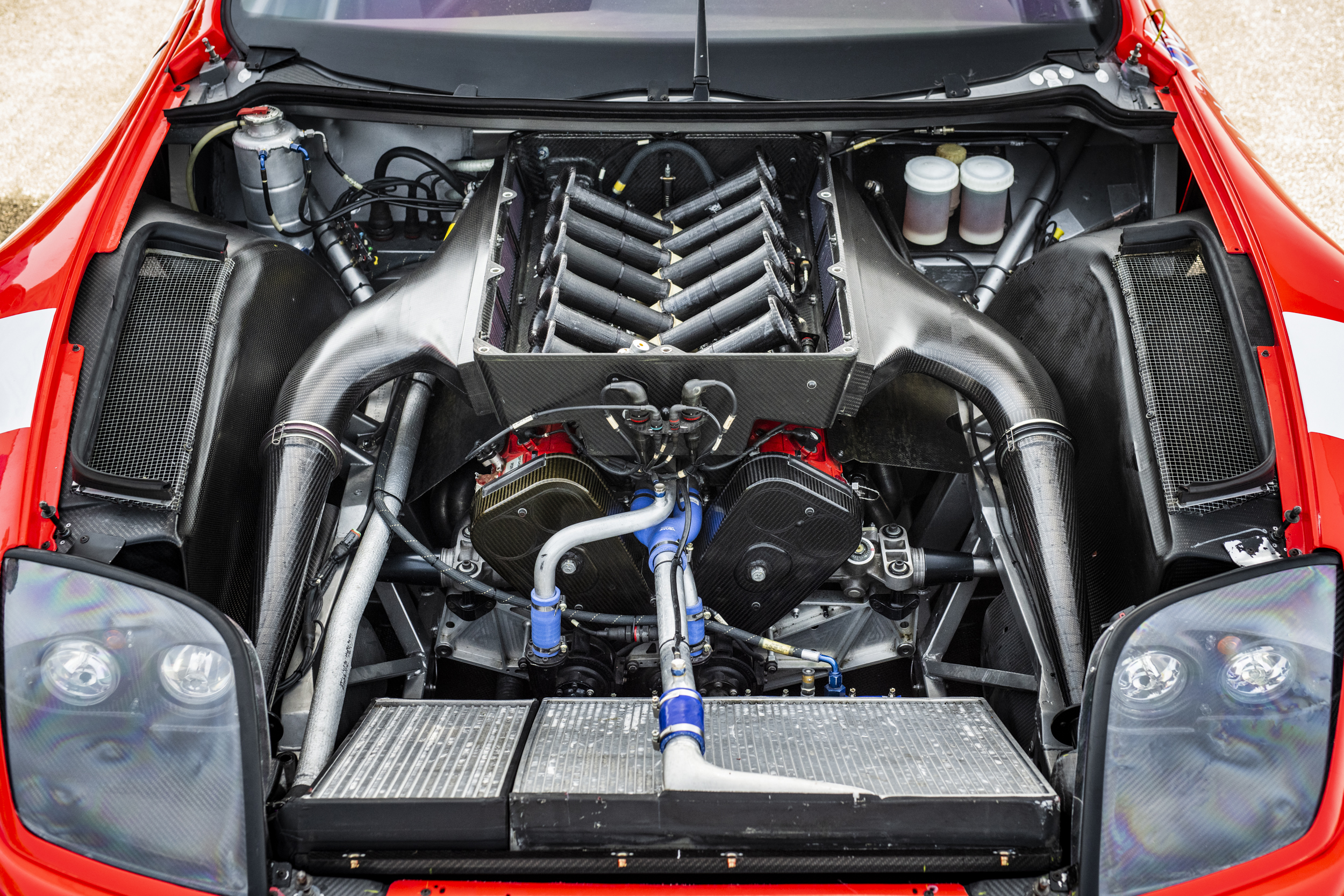 Ferrari 550 GT1 Prodrive engine bay