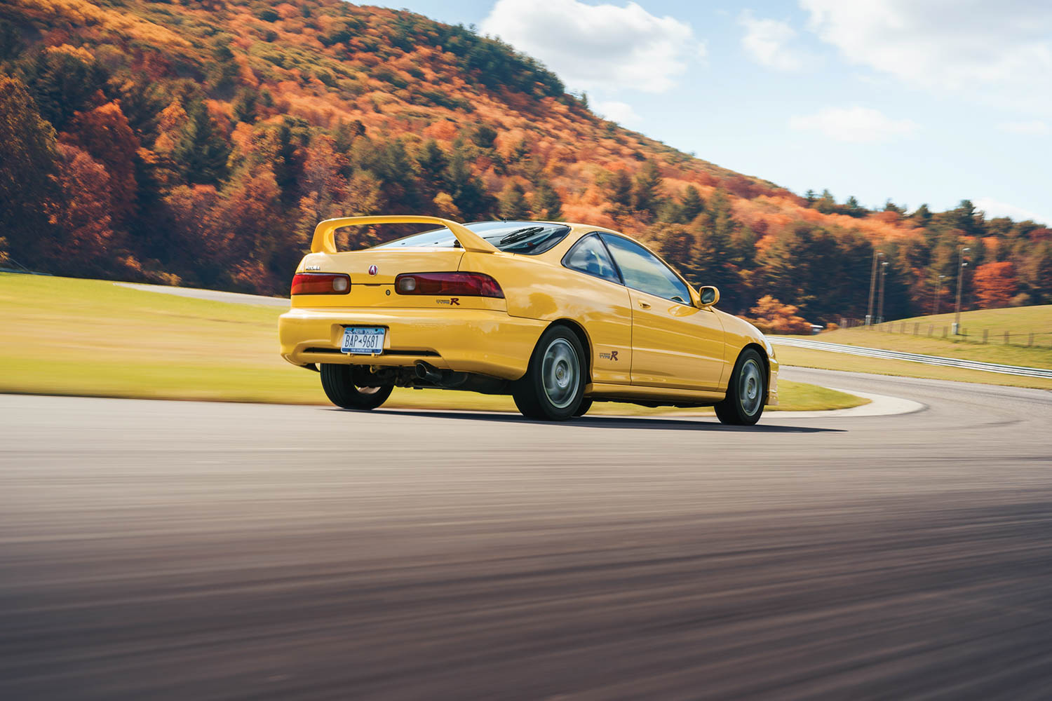 acura integra type r rear three-quarter dynamic action