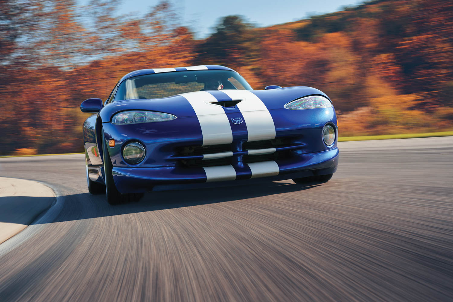dodge viper gts front close dynamic action
