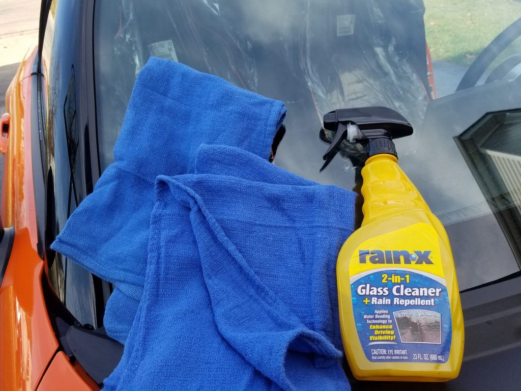 Cleaning car glass with rain-x