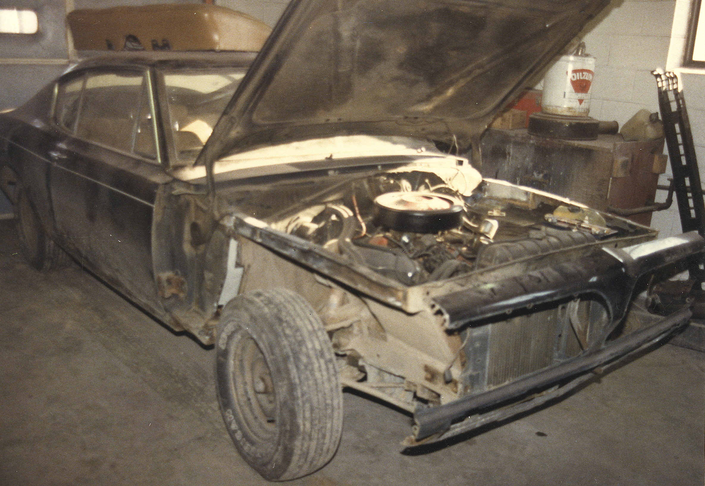 1969 Plymouth Barracuda 383 disassembly