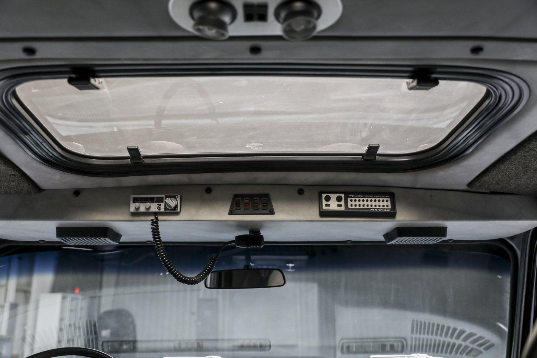 A-Team GMC G-Series 83 Van interior sun roof vent