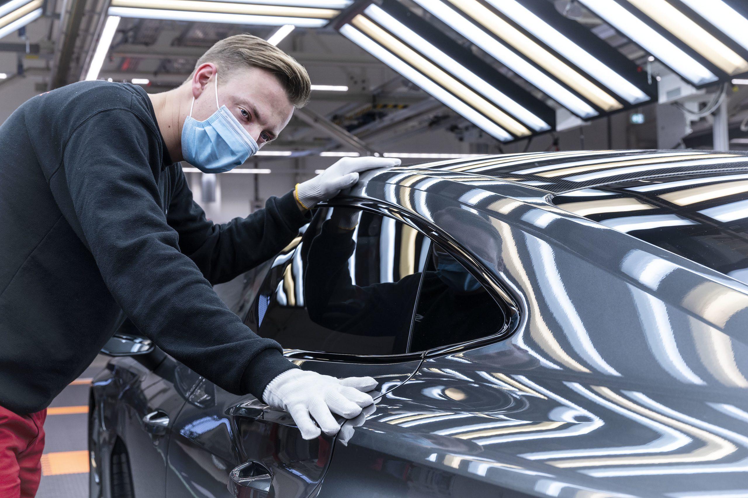 Audi e-tron GT assembly 4