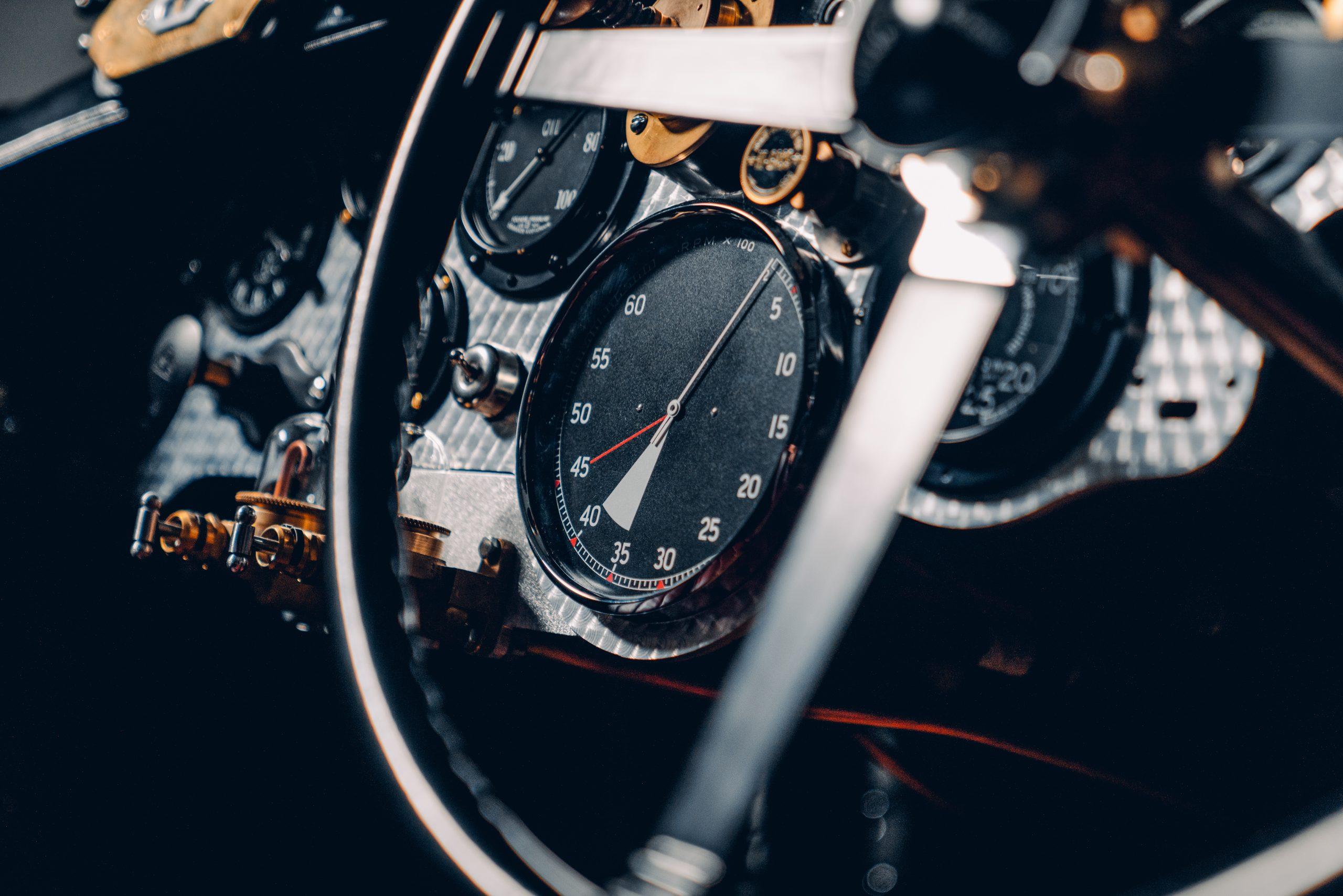 Bentley Blower Car Zero gauge detail