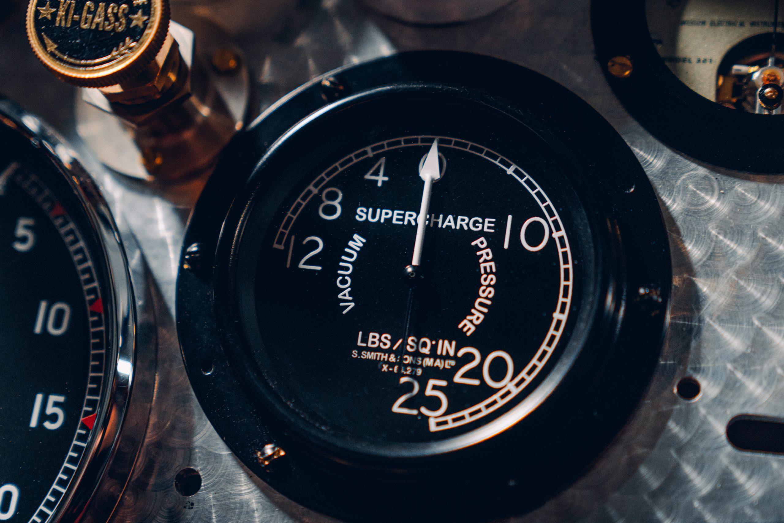 Bentley Blower Car Zero boost gauge detail