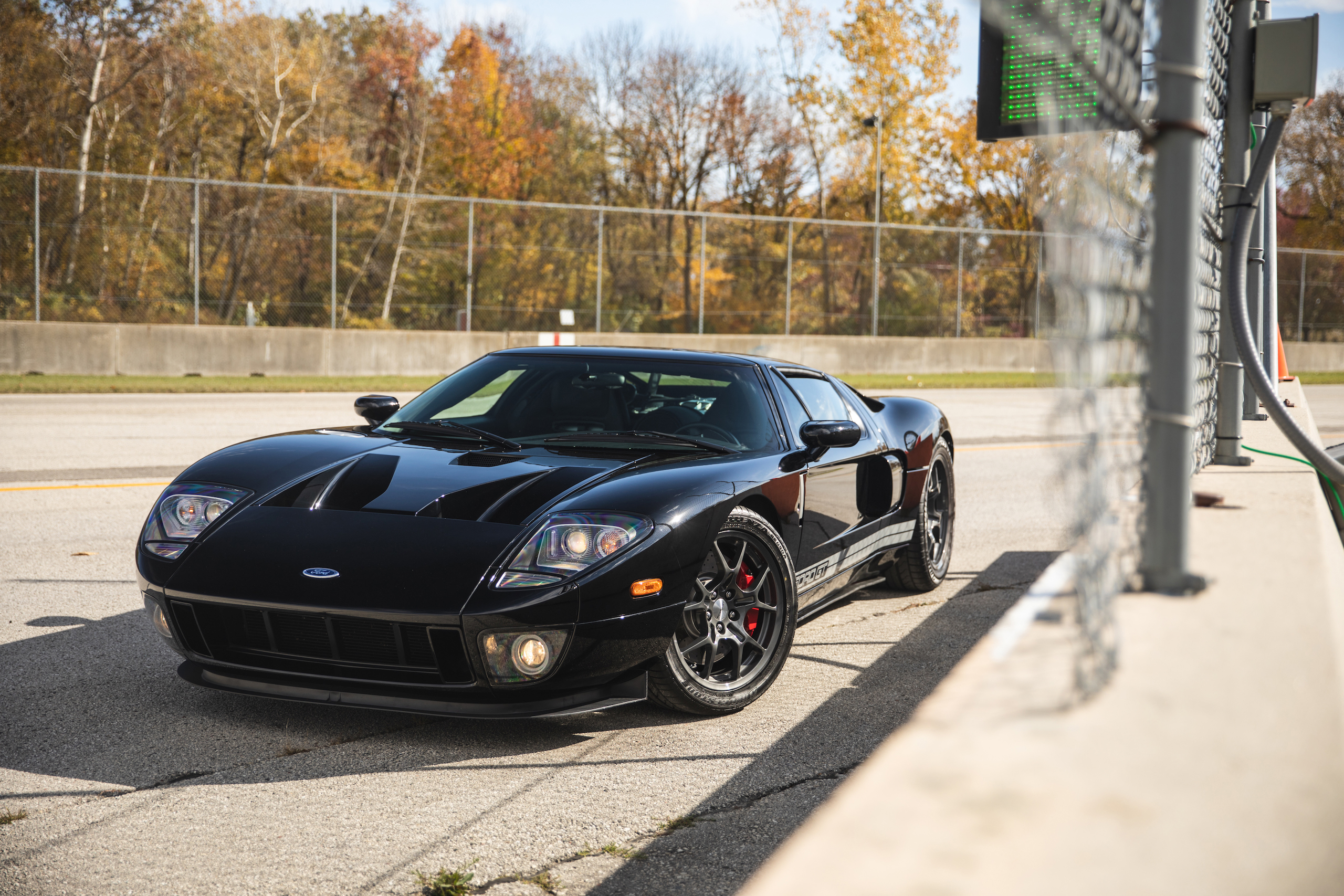 Ford GT front three-quarter