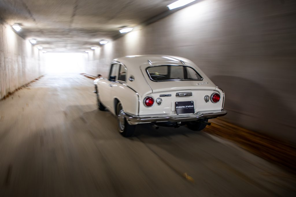 Honda S600 rear three-quarter tunnel action
