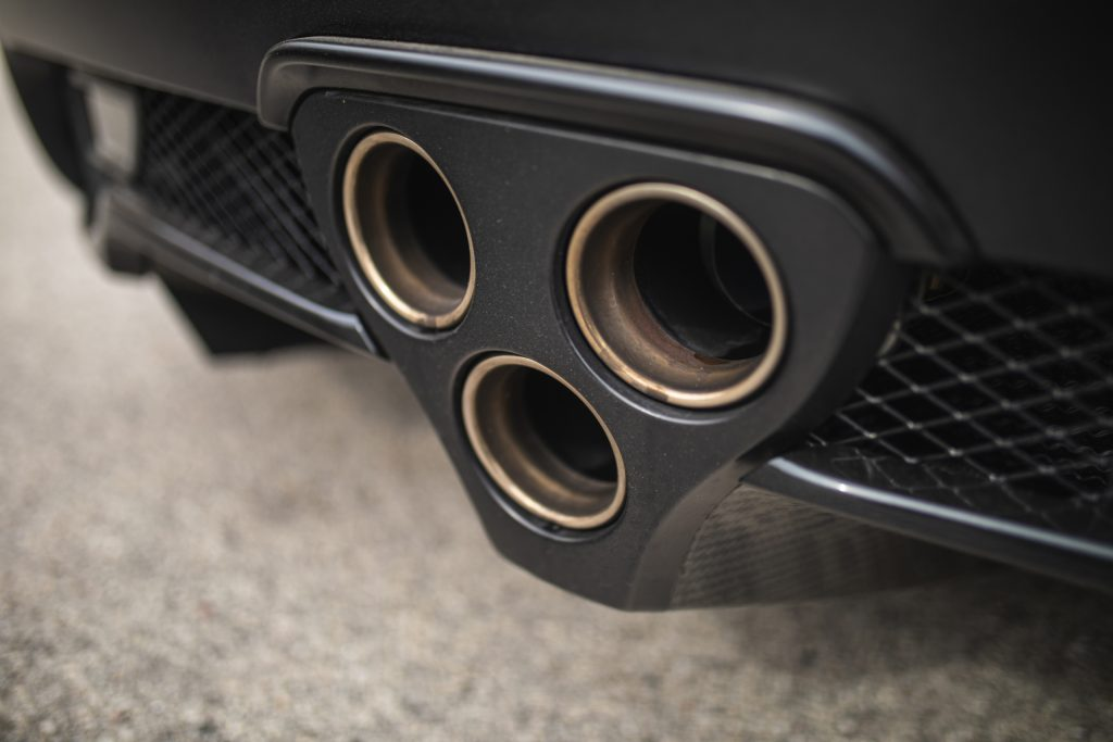 Lexus LFA triple exhaust