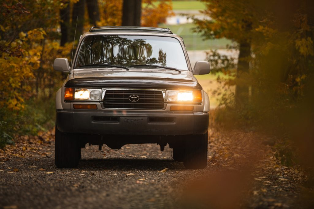 Toyota Land Cruiser FZJ80 front action
