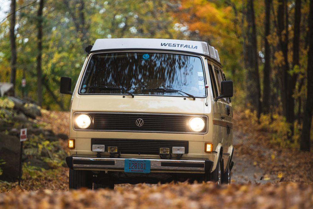 Volkswagen Vanagon front action