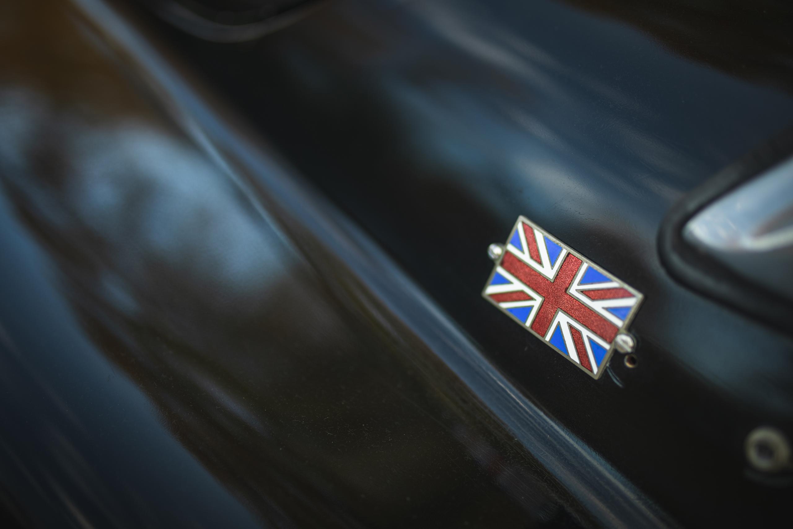 Jag XK120 union jack detail