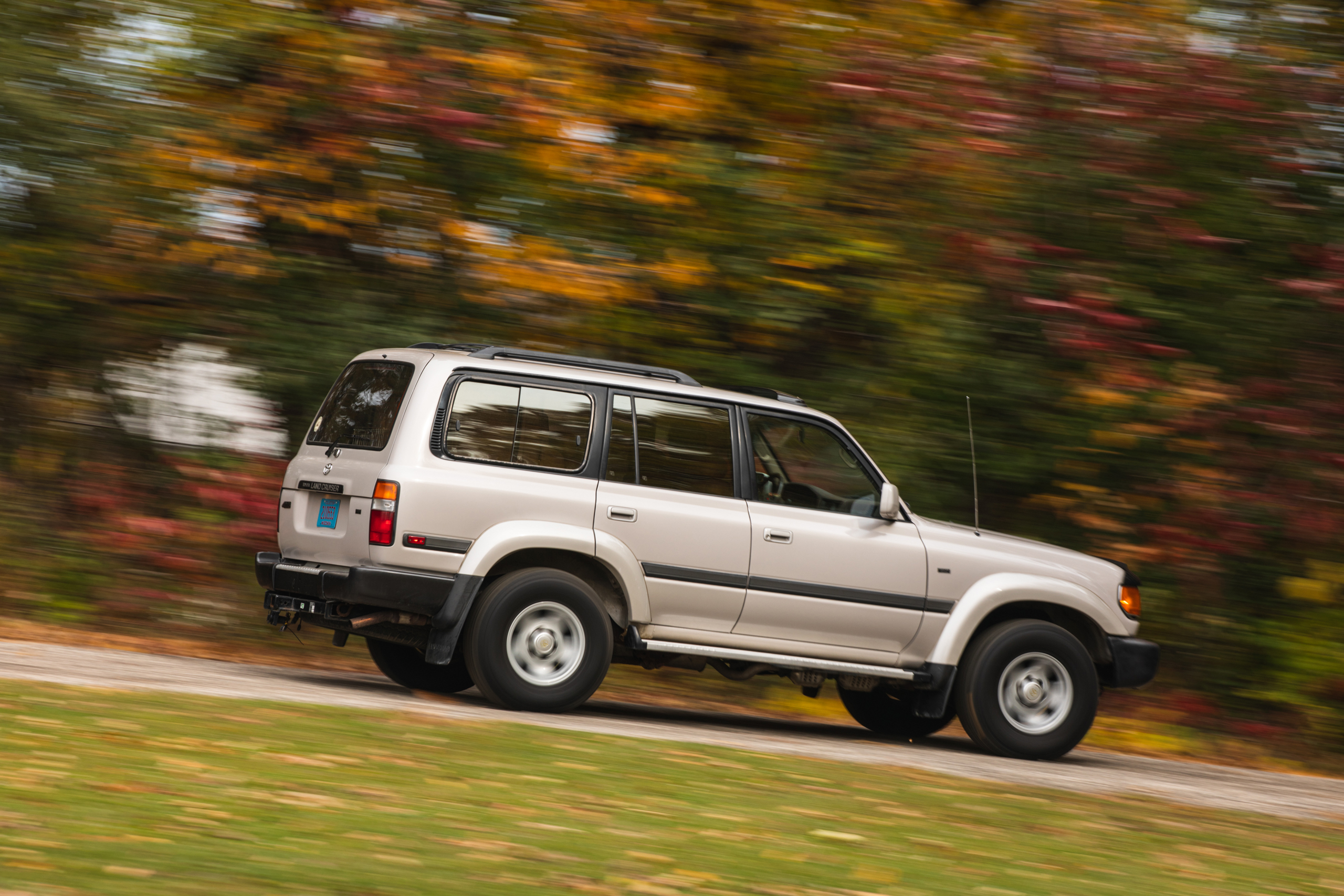 Toyota Land Cruiser FZJ80 rear three-quarter action