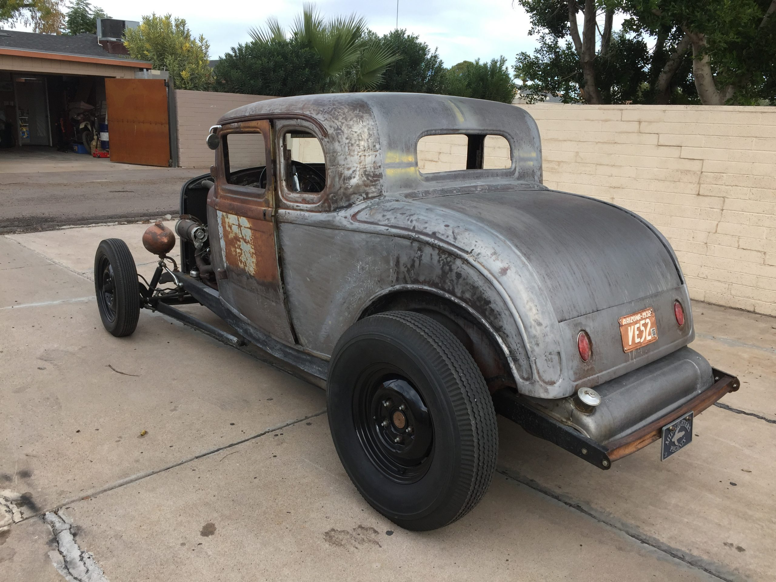 Ford 5-Window Coupe project bare metal body rear three-quarter