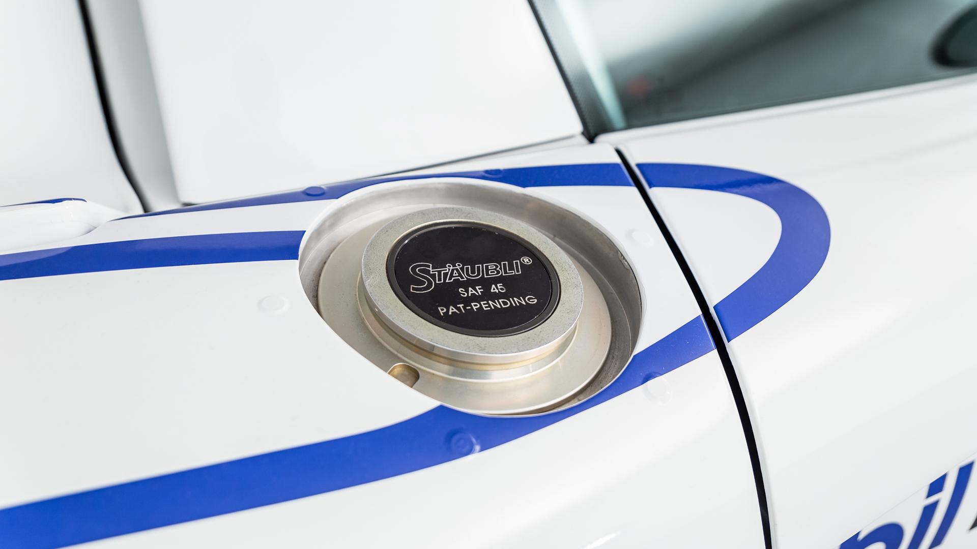 Carrera GT Racecar gas cap detail