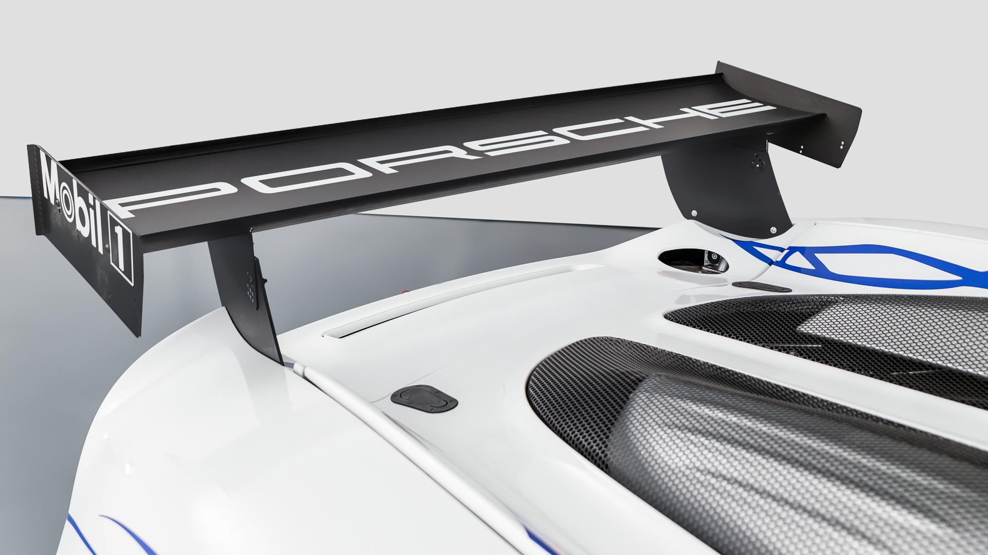 Carrera GT Racecar rear aerodynamic wing