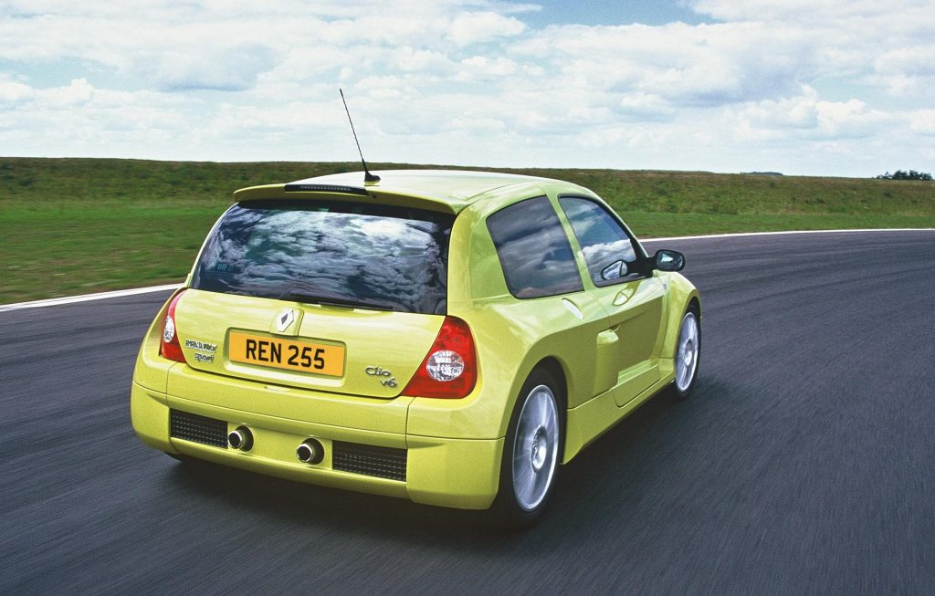 Clio Renault sport V6 rear three-quarter action